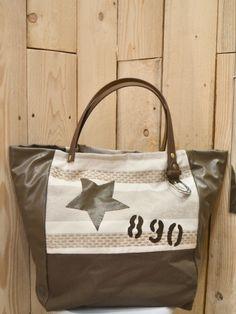 dc2681a0d3 Sac a main cabas nature et lin motif étoile lettre numéros toile rayé beige  et blanche