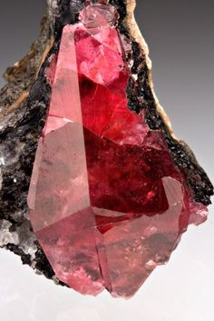 gemmy scalenohedral rhodochrosite from Uchucchacua Mine, Oyon Province, Lima Department, Peru