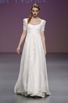 Love, love, love this dress; not crazy about the look on the model's face, lol.