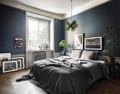 The latest tips and news on Bedroom Decor are on POPSUGAR Home. On POPSUGAR Home you will find everything you need on home décor, garden and Bedroom Decor. Dark Blue Bedrooms, Blue Gray Bedroom, Dark Blue Walls, Blue Rooms, Dark Bedroom Walls, Dark Painted Walls, Scandinavian Bedroom, Cozy Bedroom, Bedroom Decor