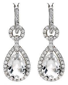 Diamond Drop Earrings! Yes Please! #bride #bridal #diamonds #earrings #jewlery #marthastewart #wedding