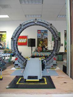 lego railroad stargate - New Ideas Stargate Ships, Stargate Atlantis, Lego Costume, Lego Spaceship, Lego Craft, Minecraft Creations, Buy Lego, Lego Architecture, Lego Design