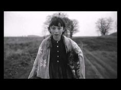 Girl walking with her dead cat - Sátántangó - Bela Tarr - 1994 - YouTube