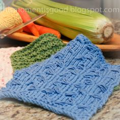 Loom knit washcloth patterns! Perfect warm weather knitting project!