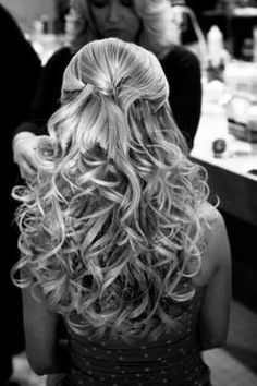 Curly Hair Styles reason to grow my hair out Best Wedding Hairstyles, Bridal Hairstyles, Down Hairstyles, Pretty Hairstyles, Homecoming Hairstyles, Hairstyles Haircuts, Long Haircuts, Wedding Hair And Makeup, Hair Makeup
