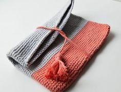 Tutoriale DIY: Cómo hacer una bolsa de ganchillo con una borla vía DaWanda.com