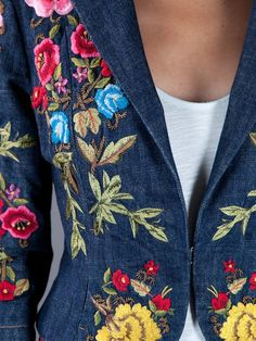 Christian Lacroix Pre-Owned Embroidered Jacket - Farfetch Embroidery On Clothes, Embroidered Clothes, Embroidery Fashion, Christian Lacroix, Fashion Tips For Girls, Petite Fashion Tips, Ladies Fashion, Estilo Jeans, Embroidered Denim Jacket