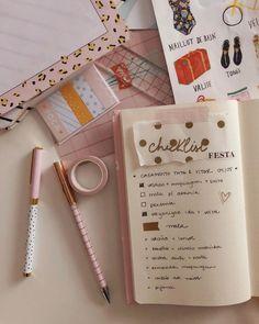 Meg & Meg (@megemeg) • bullet journal fofo no caderno da Meg & Meg Bullet Journal, Foto E Video, Bujo, Notebook, Paper, Cards, Diy, Instagram, Study Corner