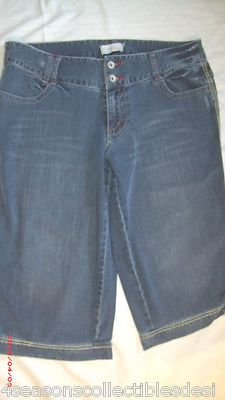 VENEZIA CROPPED JEAN-MOST OFFERS ACCEPTED!!!  http://4SeasonsCollectiblesDesignerJeans2013.webstoreplace.com