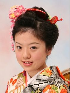 丸型やたまご型のかわいい人ほど似合いそう!成人式では逆に幼いイメージですが注目されそう。 Kids Laughing, Yukata, Kimono, Children, Hair, Style, Fashion, Soap, Kids