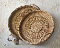 Wicker Tray, Wicker Baskets, Folding Coffee Table, Pine Needle Baskets, Newspaper Basket, Paper Weaving, Sewing Baskets, Weaving Projects, Flower Girl Basket