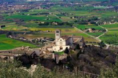 Assisi: 25,000 Residents Who Steal the Spotlight in Umbria, Italy! |