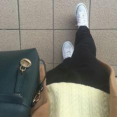 mamezoshinmai久々にコーデを撮る時間?気持ち?の余裕が #コンバース はレザーで、お誕生日プレゼントに買ってもらいました✌️しかし、レザーがまだ硬くて外反母趾のところが激痛厚手ソックスを履いて少しずつ慣らします  #プチプラ#プチプラコーデ #プチプラファショッン #ママコーデ #ママファッション ##今日の服 #今日のコーデ #今日のファッション #今日のコーディネート #ootd #outfit #outfitoftheday  #UNIQLO#ユニクロ#ビームス#beams#bosch#フルラ#FURLA