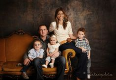 Wonderful Family picture - peekaboophotos.com