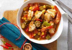 Ce ragoût s'inspire du gumbo et, lors de sa lente cuisson à bas-feu, il remplira la cuisine d'arômes apaisants.    Le Poulet du Québec
