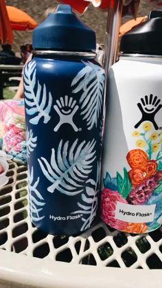 See more of rachmalick's VSCO. Water Bottle Art, Cute Water Bottles, Water Bottle Design, Hydro Painting, Bottle Painting, Diy Painting, Vsco, Custom Hydro Flask, Hydro Flask Water Bottle