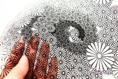 細い糸を編み込んだレースのような繊細なアート作品から、動物や草花を象ったシンプルで昔懐かしいほっこりした作品まで、「切り絵」は様々な表情を見せてくれます。                                                                                                                                                     もっと見る