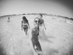 •amiche• Mare,sole e tante risate