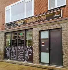 Garage Doors, Restaurant, Outdoor Decor, Website, Home Decor, Heineken, Shabby Chic, Decoration Home, Room Decor