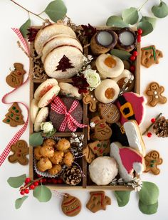 Christmas Cookie Boxes, Cookie Gift Boxes, Christmas Party Food, Cookie Gifts, Christmas Sweets, Christmas Baking, Fall Cookies, Holiday Cookies, Yummy Cookies