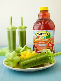 Cool down and power up with these Summer Fruit Veggie Ice Pops.  Key product: Mott's For Tots Fruit Punch Tags: Summer treat, cool treat, popsicles