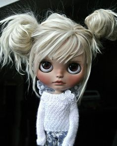I cant get over how sweet these dolls are.Im wondering if any are for sale? Blythe Dolls For Sale, Ooak Dolls, Girl Dolls, Barbie Dolls, Creepy Dolls, Little Doll, Snow Queen, Custom Dolls, Doll Face
