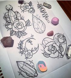 Inspo for the crystal+rose tattoo I want on my wrist 💜 - Tattoo vorlagen - Flash Art Tattoos, Body Art Tattoos, New Tattoos, Tatoos, Tattoo Sketches, Tattoo Drawings, Tattoo Diy, Wrist Tattoo, Crystal Tattoo