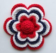 Sols(tr)ikke: Hekleblomst Little Flower (English translation available) Love Crochet, Crochet Motif, Crochet Stitches, Knit Crochet, Beautiful Crochet, Knitted Flowers, Crochet Flower Patterns, Crochet Crafts, Yarn Crafts