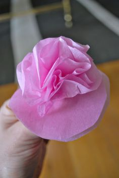 How to Create Beautiful Paper Flowers, from Joi Svezia