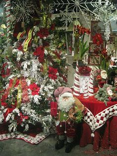 Kristen's Creations online - pics of Christmas trade show - over the top!
