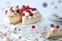 Witte chocolademoussetaart met frambozen – SINNER SUNDAY Xmas Dinner, Ice Cream Pies, Healthy Baking, No Cook Meals, Eat Cake, Love Food, Baking Recipes, Holiday Recipes, Creme