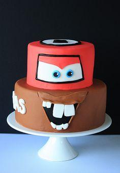 Cars cake / Torta de cars Birthday Cake, Birthday Parties, Ideas Para Fiestas, Cakepops, Cakes And More, Fondant, Mickey Mouse, Food And Drink, Cupcakes