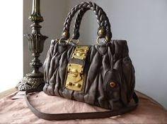 c8f20439fa1f50 I wish my boyfriend would buy me a handbag givenchy ! Kayla has