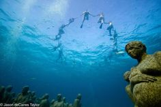 Underwater Museum in Cancun, Mexico . Underwater Sculptures by Jason deCaires Taylor