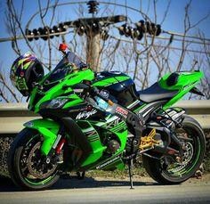 corrs-performance: Kawasaki Ninja ZX10R - Kawasaki USA Badass Motorcycle Helmets, Duke Motorcycle, Best Motorbike, Futuristic Motorcycle, Motorcycle Quotes, Kawasaki Ninja, Kawasaki Motorcycles, Cars Motorcycles, Stunt Bike