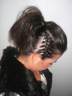 com ponytail