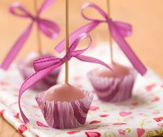 CAKE POPS, no decorating required!!