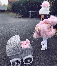 Baby goals 👶🏻 Cute or not ? Cute Kids Fashion, Baby Girl Fashion, Toddler Fashion, Cute Baby Girl Outfits, Cute Baby Clothes, Baby Kind, My Baby Girl, Outfits Niños, Kids Outfits