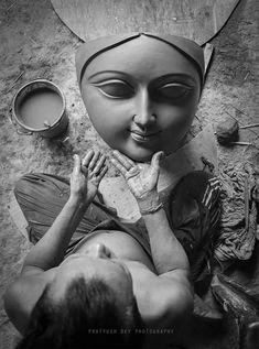Durga Maa, Shiva Shakti, Goddess Art, Durga Goddess, Indian Art Paintings, Wall Paintings, Virgin Mary Art, Navratri Wishes, Durga Painting