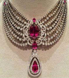 00fd0b8cb27a9125af56446095cd1572--diamond-district-diamond-jewellery.jpg 659×748 pixels