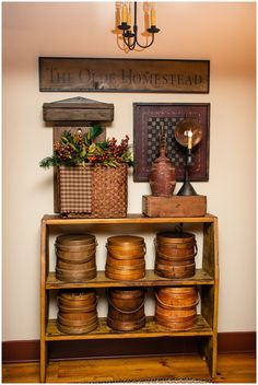 Primitive Home Decorating, Colonial Decorating, Primitive Homes, Primitive Country, Primitive Decor, Decorating Ideas, Country Decor, Farmhouse Decor, Early American Decorating