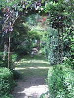 Pretty Old Houses: Gardens