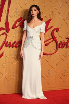Gemma Chan chose a Miu Miu design for the red carpet. Celebrity Look, Celebrity Dresses, Celeb Style, Leicester, Robes D'oscar, Filipiniana Dress, Gemma Chan, Oscar Dresses, Oscar Gowns