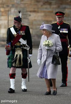 Britain's Queen Elizabeth II (Front-C) attends the Ceremony of the Keys at the Palace of Holyroodhouse in Edinburgh, Britain, 01 July The Queen and her husband Prince Phillip, Duke of Edinburgh are on a seven day visit to Scotland. Queen Hat, Britain Uk, Royal Queen, Her Majesty The Queen, Prince Phillip, British Monarchy, Queen Elizabeth Ii, British Royals, Edinburgh
