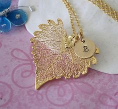 Heart-shaped filigree leaf pendant