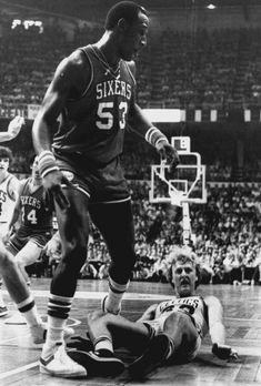 Darryl Dawkins sends Larry Bird to the floor. Celtics Basketball, Basketball Rules, Basketball Pictures, Basketball Legends, Sports Basketball, Sports Pictures, Basketball Players, Basketball Socks, Larry Bird