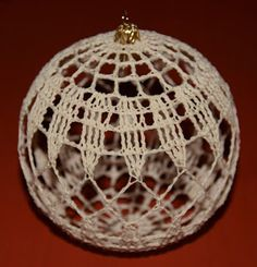 Diy And Crafts, Christmas Crafts, Christmas Bulbs, Sampler Quilts, Thread Crochet, Crochet Patterns, Embroidery, Sewing, Knitting