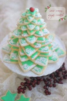 Sour Cream Sugar Cookie Christmas Tree 27 Holiday Cookies That Are Almost Too Cute To Eat Christmas Sugar Cookies, Christmas Sweets, Noel Christmas, Christmas Goodies, Holiday Cookies, Holiday Treats, Holiday Recipes, Christmas Appetizers, Country Christmas