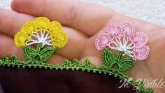 Örgü Çanta Sapı Nasıl Örülür? | M-visible.com Moda Emo, Baby Knitting Patterns, Crochet Lace, Create, Sewing Needles, Crochet Accessories, Crochet Flowers, Doilies, Crochet Ornaments