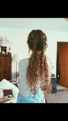 pretty hairstyles for christmas Short Haircuts Hair Day, My Hair, Hair Inspo, Hair Inspiration, Coiffure Hair, Dream Hair, Pretty Hairstyles, Long Curly Hairstyles, Hairstyles Videos